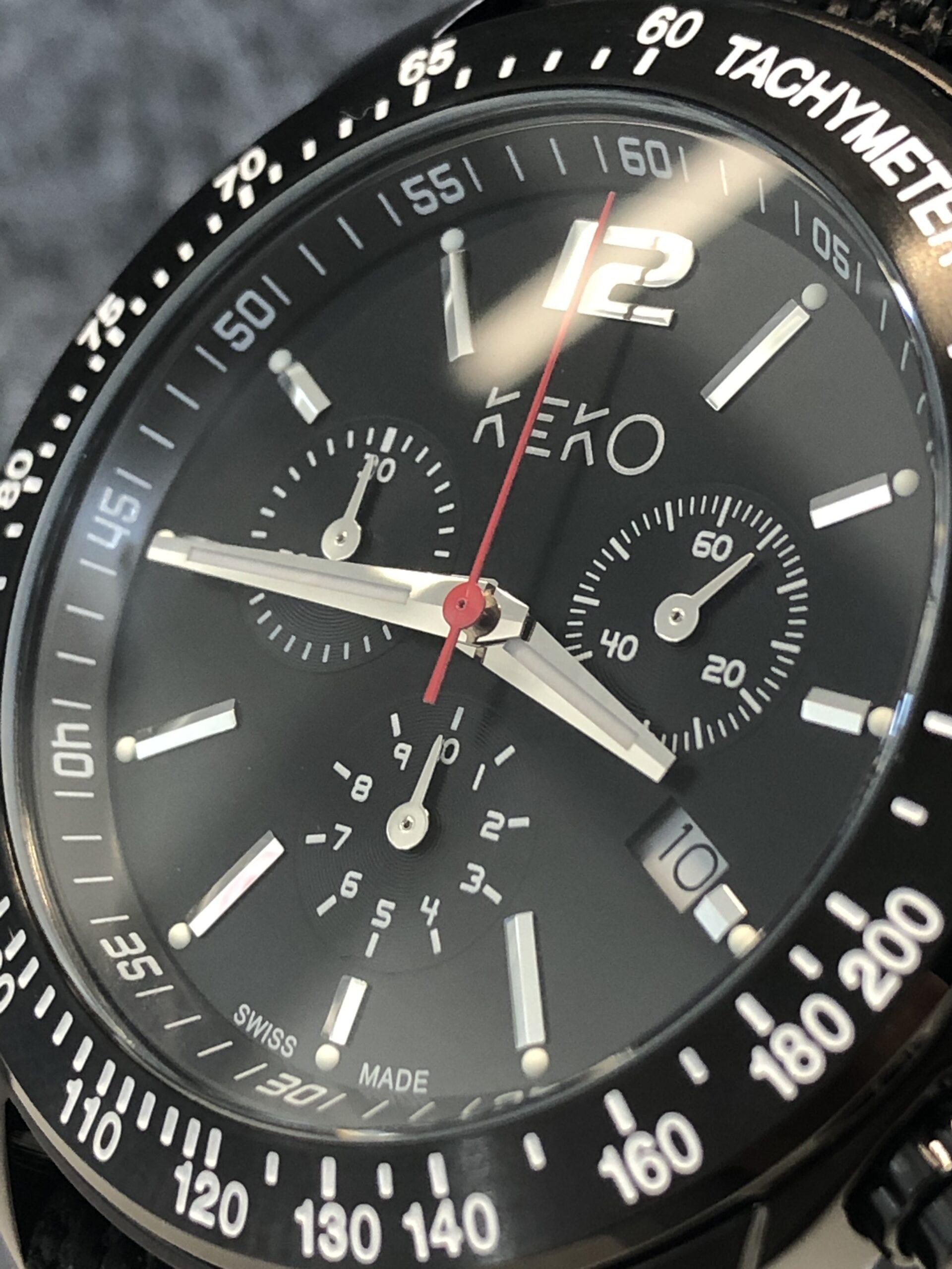 keko-chronograph-outdoor-adventure-mit-schwarzem-nylon-armband-seitenansicht-mit-krone